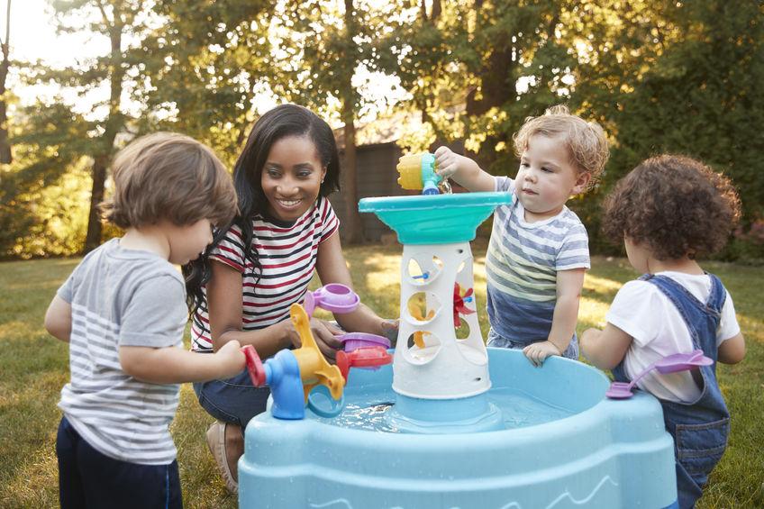 Watertafel kopen doe je eenvoudig en snel bij Spelenspeelgoed.nl; Het leukste waterspeelgoed voor kinderen